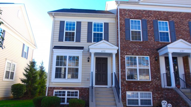 New Albany Townhome For Rent