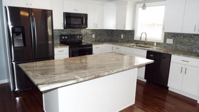 Remodeled Hilliard Rental 1.25 Acres