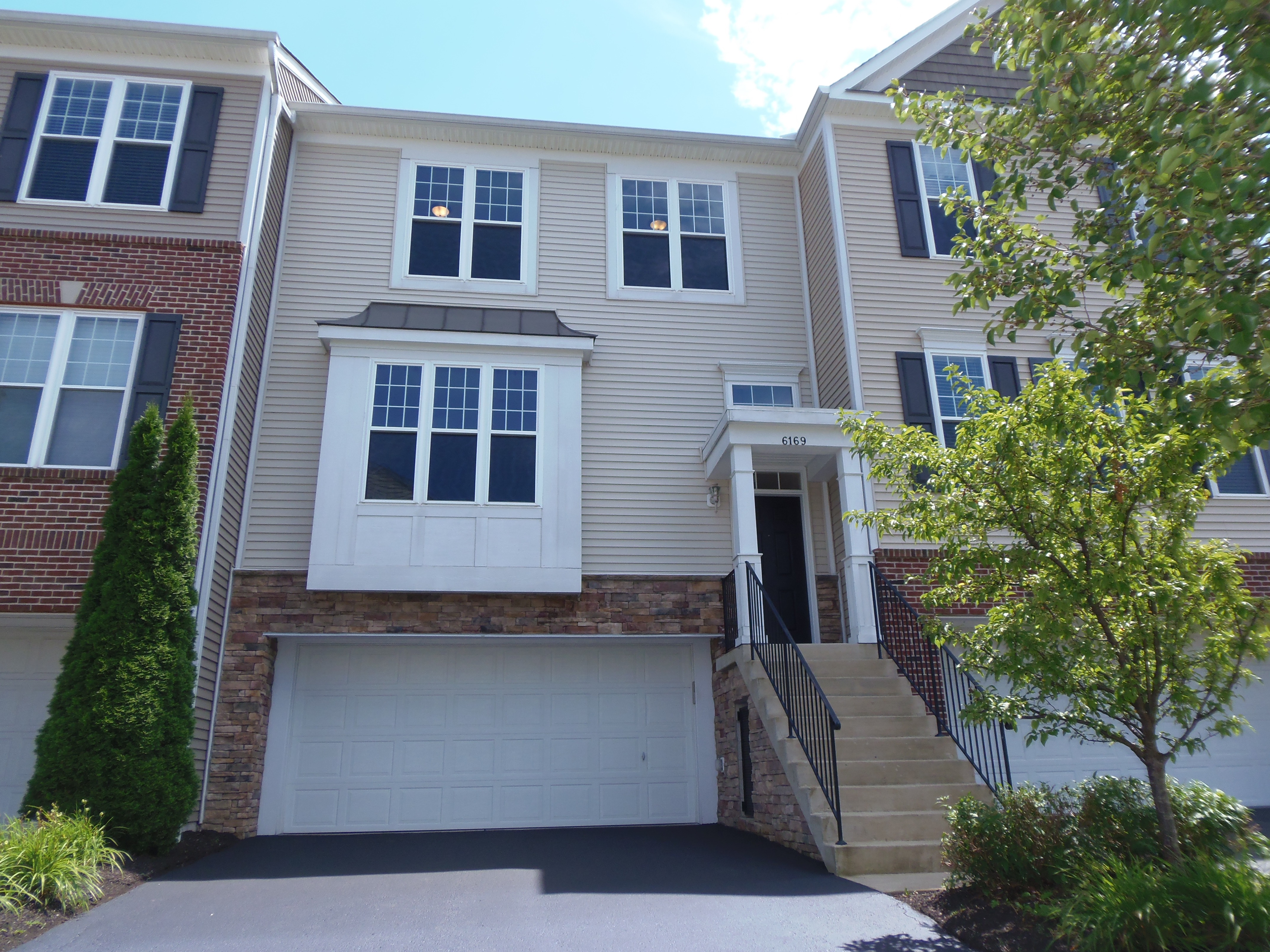 Gahanna Luxury Condo For Lease » Vip Realty